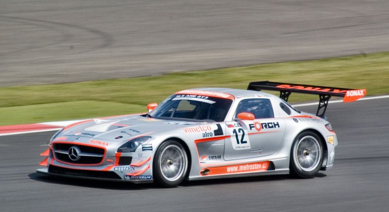 The 2011 GT3 SLS at Silverstone